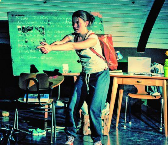 MALALA - Mädchen mit Buch - Stadthalle Olpe - Jugendtheater